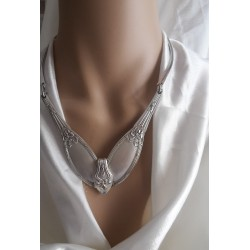 collier manches